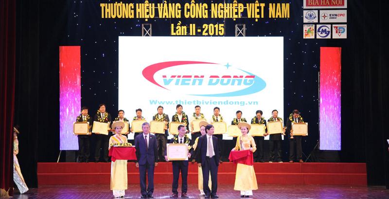 Viễn Đông nhận cúp thương hiệu vàng công nghiệp Việt Nam
