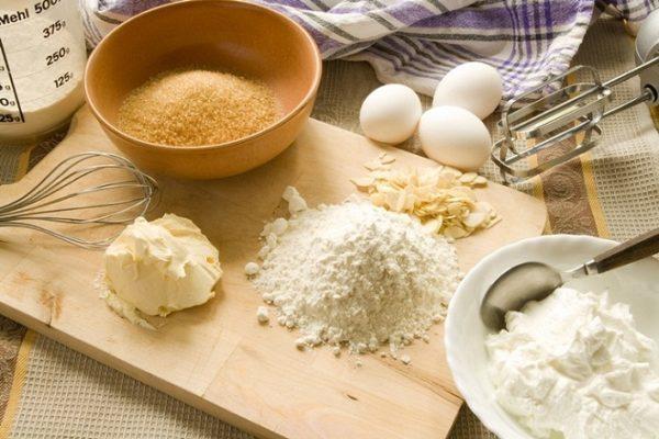 nguyên liệu làm bánh mì gối trắng (tượng trưng)