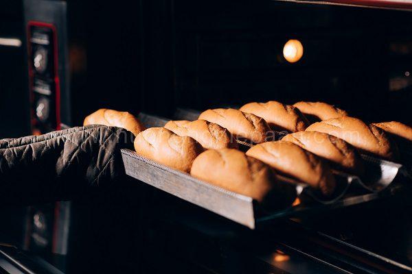 Sử dụng lò nướng đối lưu để nướng bánh ngon hơn